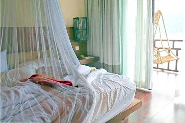 Bed canopy with EMF protection